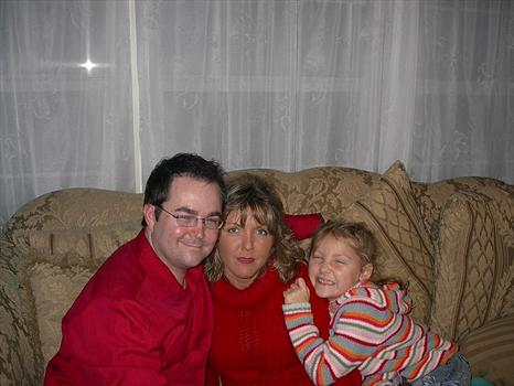 MARK AND TRACY AND HAILEY ROSE  CHRISTMAS 2006 010