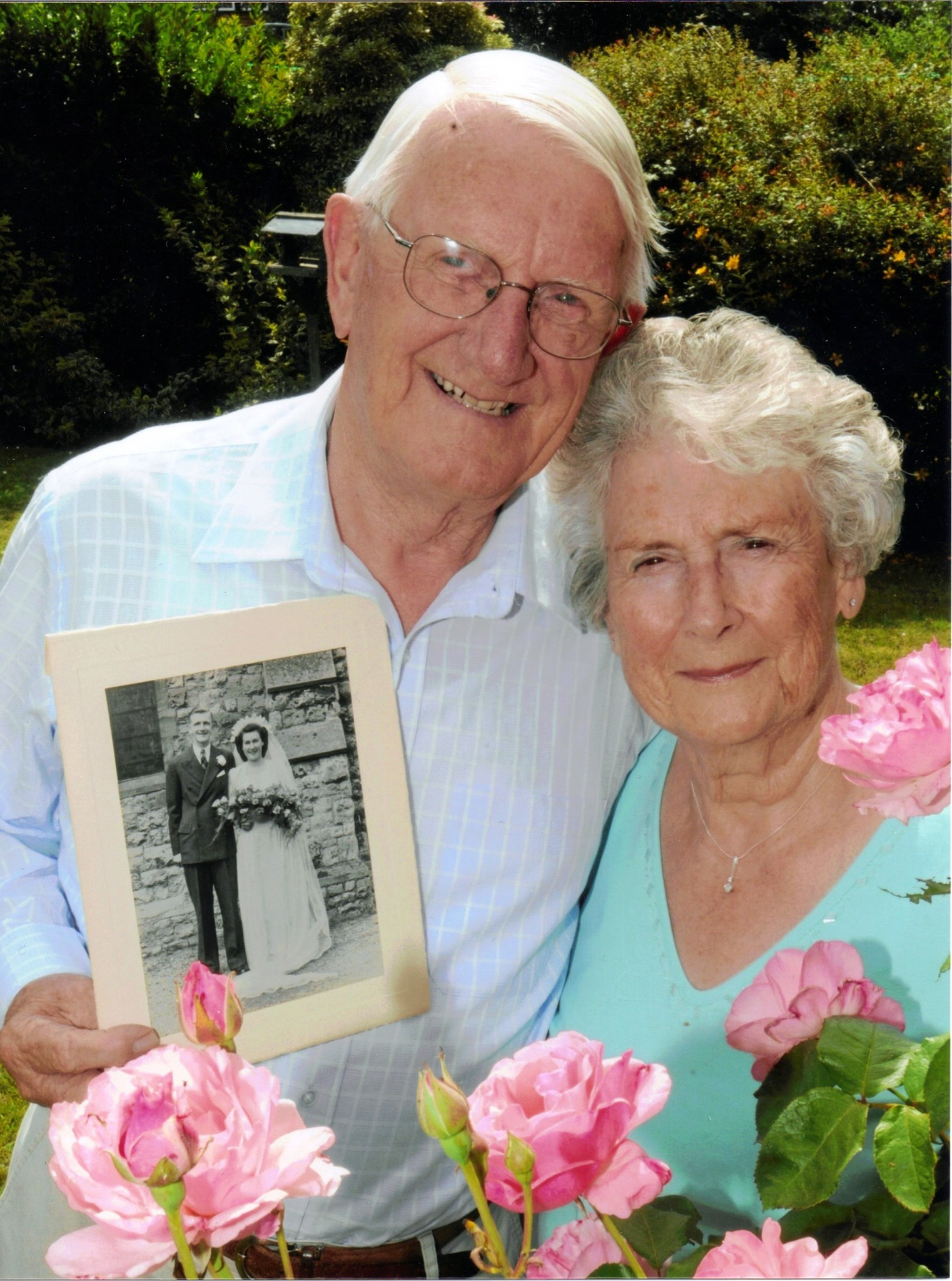 Eileen and Neil's 60th Wedding Anniversary newspaper picture