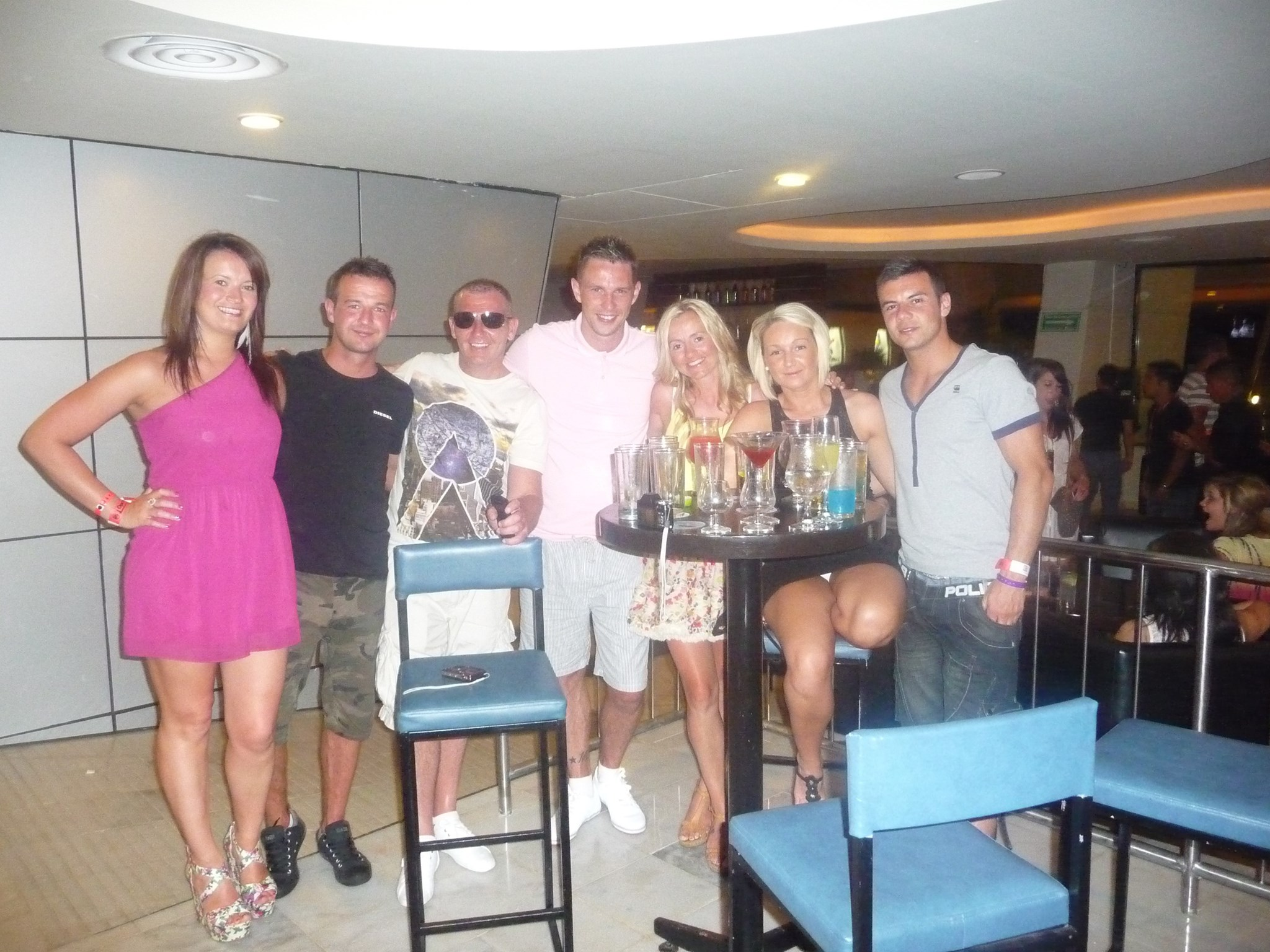 Group shot before a great night out in cancun x