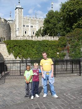 September 2007 - A great day out in London with Mum and nephews Liam and Ross