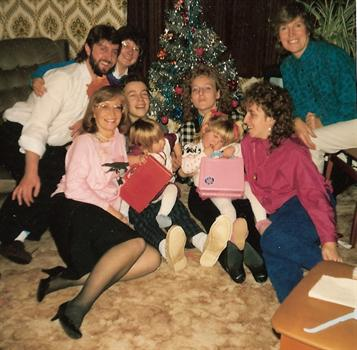 Christmas Day 1986 - A family group at Uncle Kevin's house