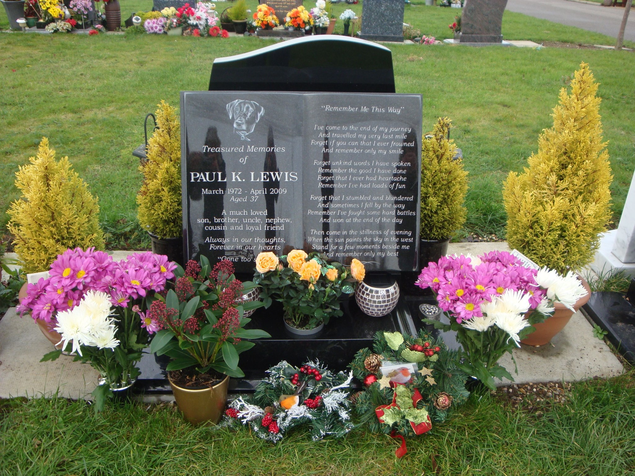 Paul's flowers and Christmas tributes - 20th December 2011