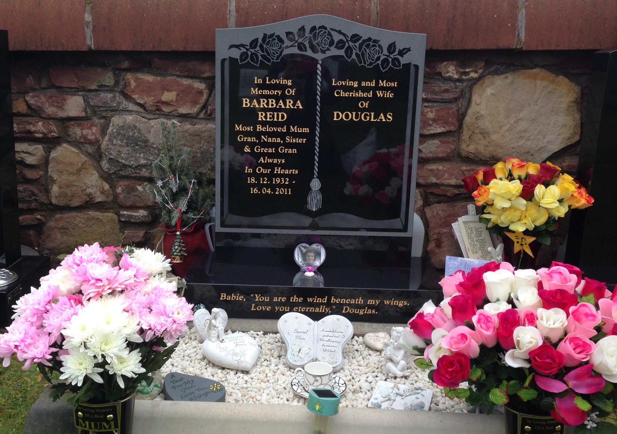 Was another hard day yesterday mum another mothers day without you got new vases n stones f