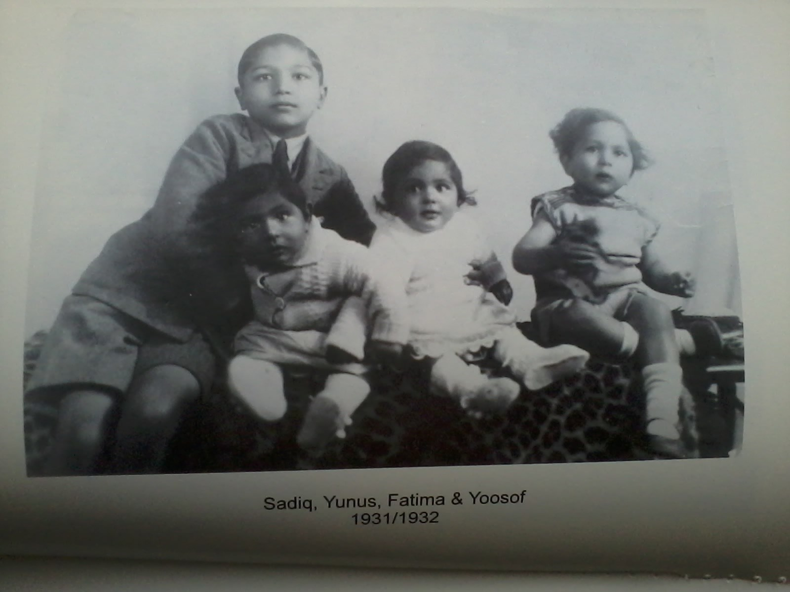 dad with older bothers and twin sister