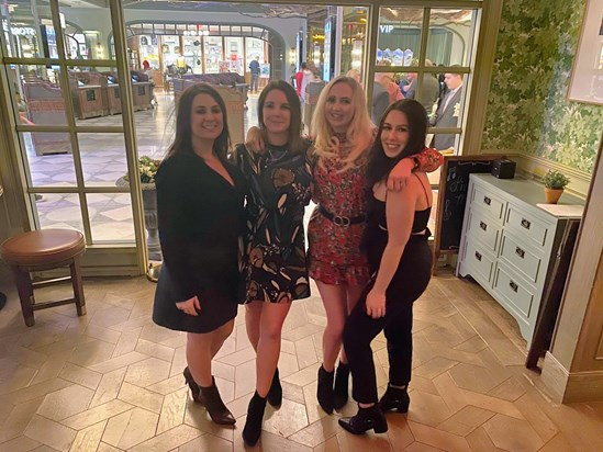 Vegas with Lucy, Ellie, Sarah and Melissa