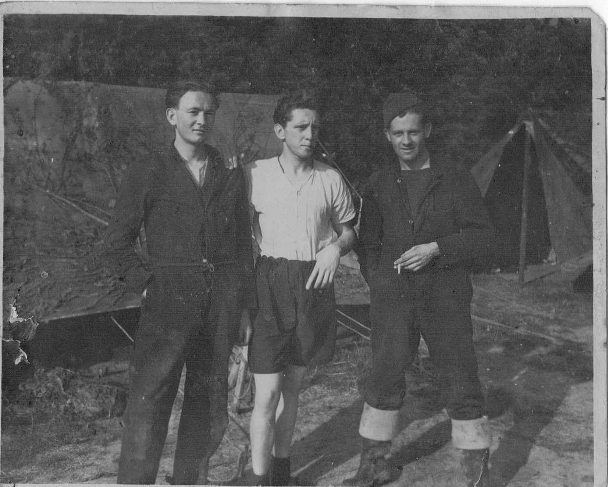Normandy July 1944, Dad on right