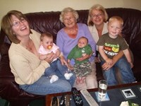 Mum  + Daughters with Great Grandchildren